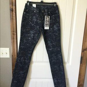 NWT Jessica Simpson skinny jeans.